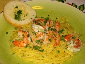 Shrimp Scampi with Linguine and Garlic Bread